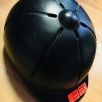 Jezdecká helma