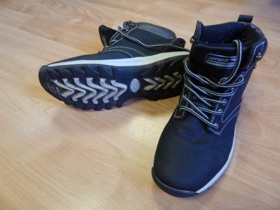 Kotníčkové boty Sprandi - Velký dětský bazar 41f39aa237