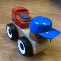 Dřevěné auto Ikea
