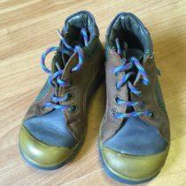 Kotníčkové boty Essi