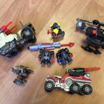 Set auta, roboti, vrtulník