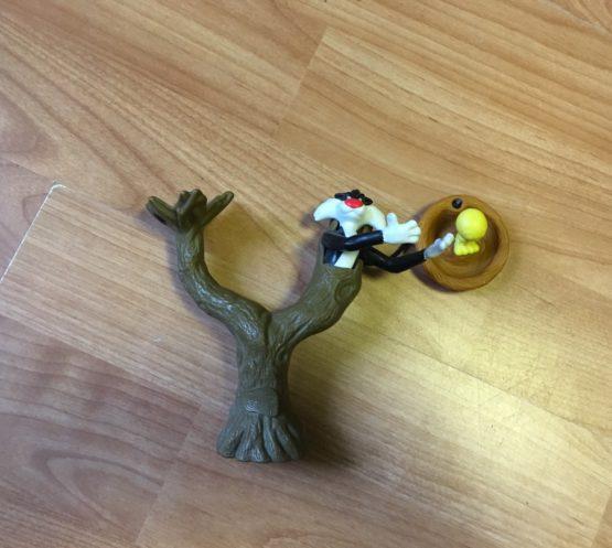 Strom skocourem a Tweetym