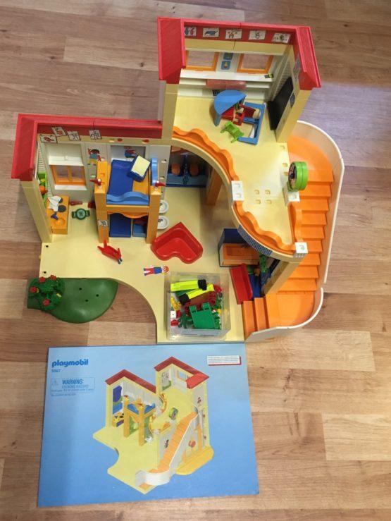 Playmobil dětský domov