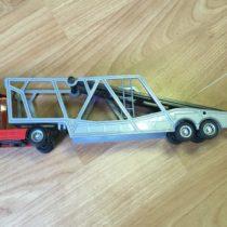 Kamion snávěsem