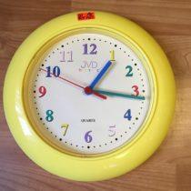 Žluté nástěnné hodiny