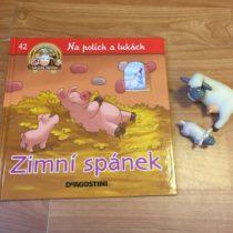 Dětská kniha ze série Hraj si a uč se – Na polích a lukách – Zimní spánek