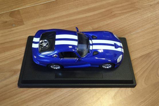 Auto Dodge Viper GTS
