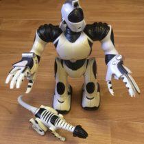Postavička robota srobopsem