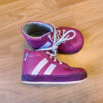 Kotníčkové boty Pegres