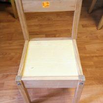 Dřevěná, dětská židlička