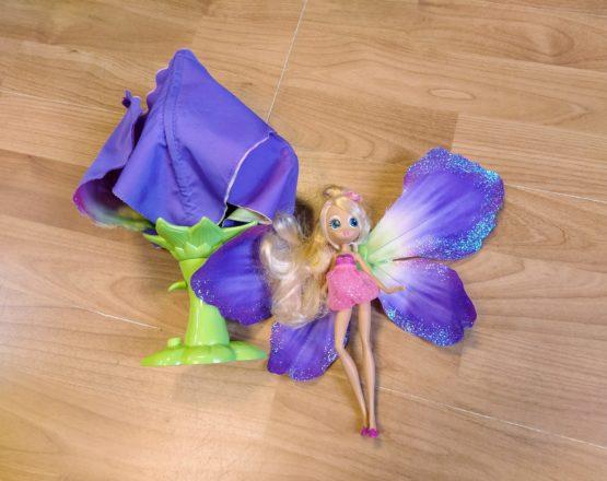 Víla Thumbelina vkvětu