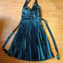 Společenské plisované šaty