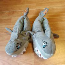 Plyšové bačkory – Žralok