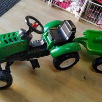 Šlapací traktor svalníkem