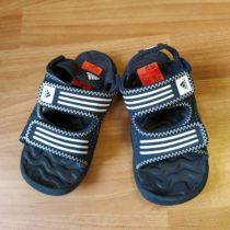 Sandále AKWAH Adidas