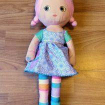 Hrající,látková panenka Zapf