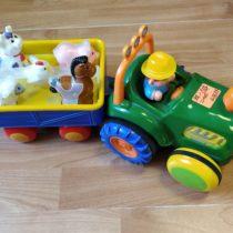 Traktor svalníkem + zvířátka