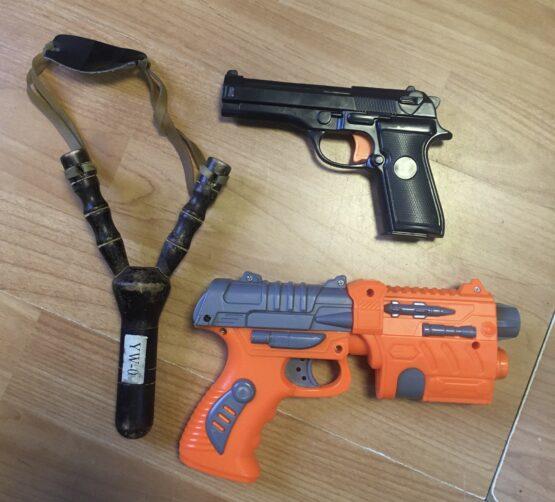 Set plastové pistole a prak