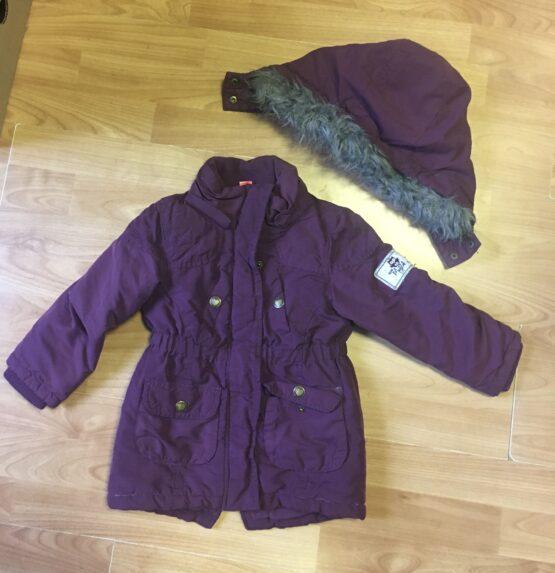 Fialový kabátek skapucí