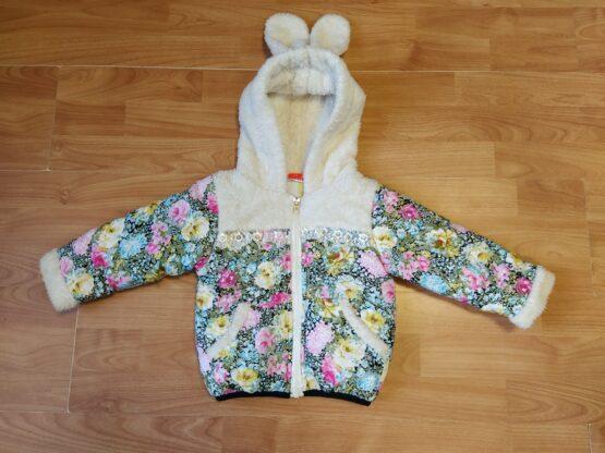 Zimní bunda skvěty