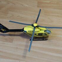 Kovový vrtulník