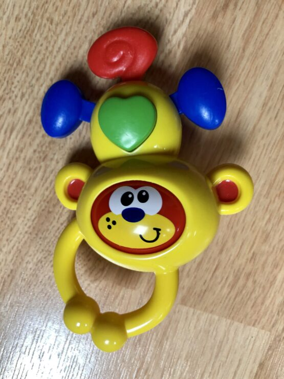 Chrastítko opička Tesco