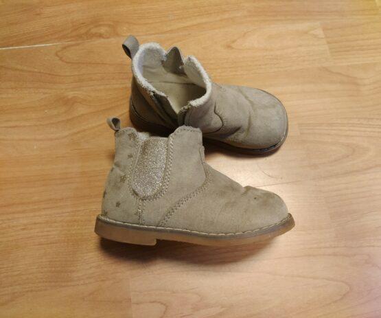 Kotníkové boty H&M shvězdami