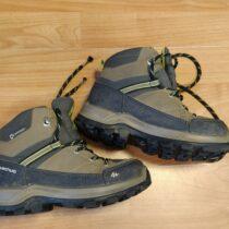 Kotníkové oudoorové boty Quechua