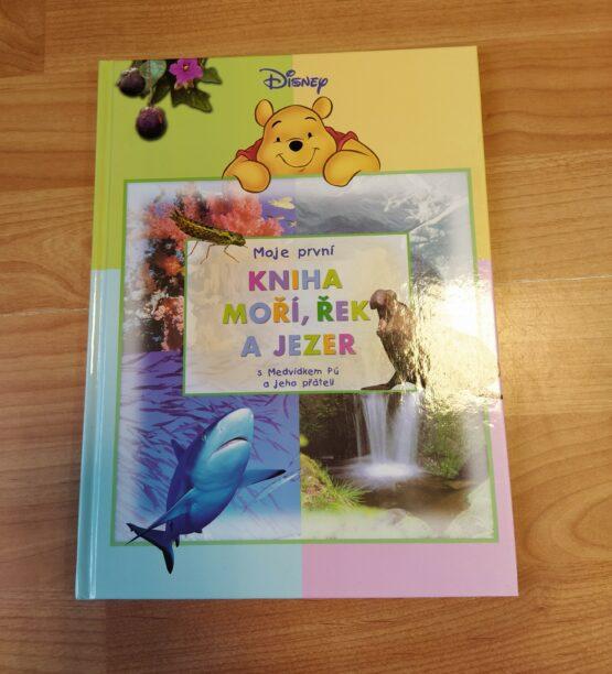 Moje první kniha moří, řek a jezer sMedvídkem Pú a jeho přáteli