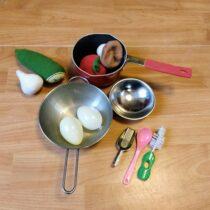 Sada nádobí  + zelenina