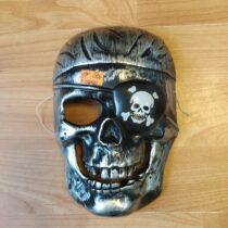 Maska – lebka piráta
