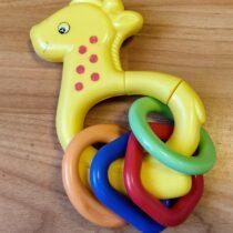 Chrastítko – Žirafa