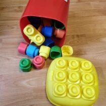 Clemmy baby – 20 barevných kostek vkyblíku, základní barvy