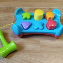 Plastová zatloukačka Playgro