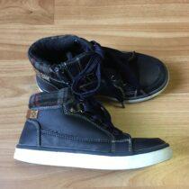 Kotníkové koženkové boty Mini Baťa