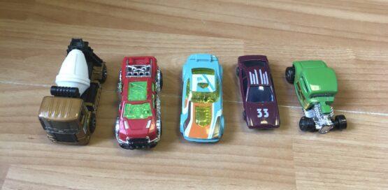 Set kovových autíček,5ks