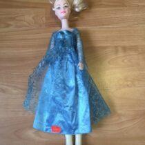 Velká plastová panenka Elza