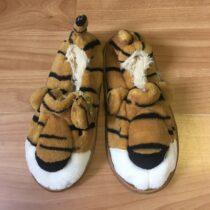 Plyšové bačkory – Tygr