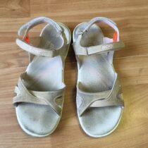 Sandále Acer