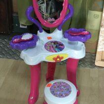 Toaletní stolek Barbie + stolička