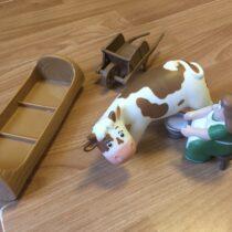 Figurky – farmářka + kráva