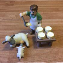 Figurka -sýrař + ovce + jehně