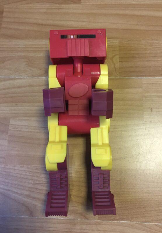Plastový robot