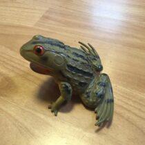 Gumová pískací žába