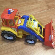 Traktor sradlicí
