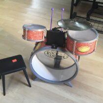 Sada bící se stoličkou Bontempi rock drummer